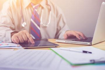 Doctor-data-ipad-computer